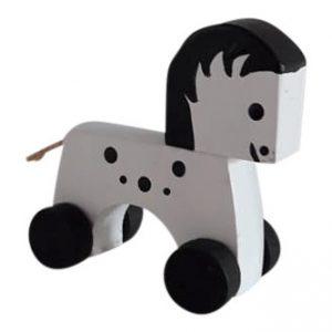 Paardje op wieltjes